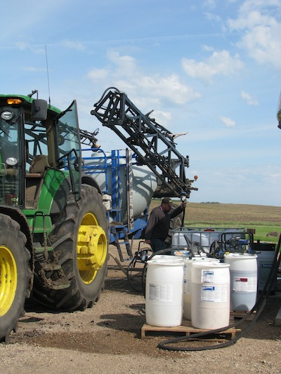Filling the sprayer small
